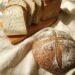 ありのまんまの食パンと麻炭ブール